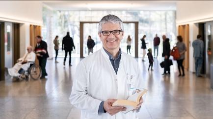 Prof. Dr. Manuel Battegay im Interview